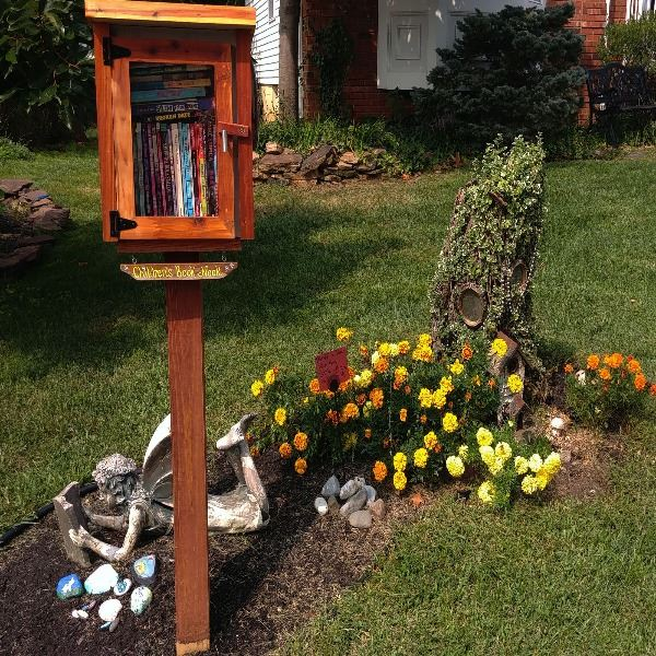 Rachelle Burk - Little Free Library